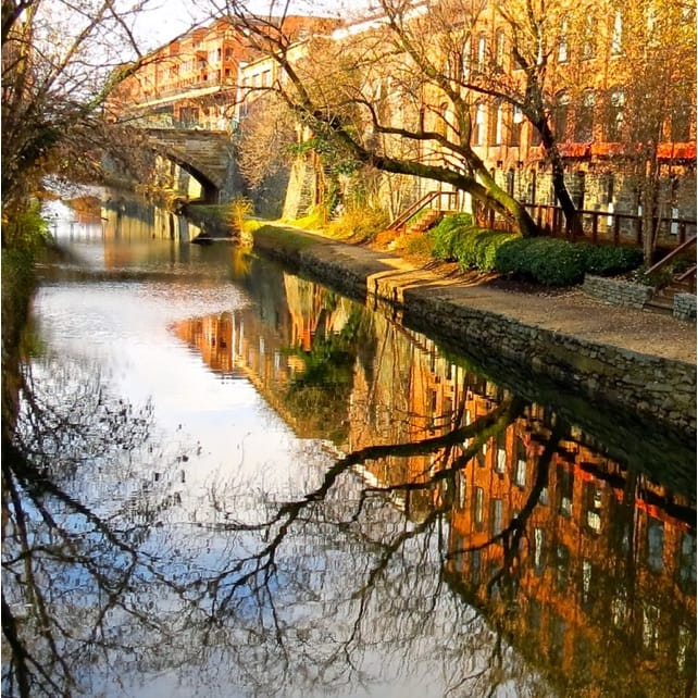 Wailua River Kayak and Hike | Marriott Bonvoy Activities